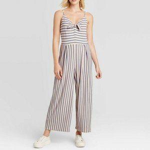 🎉HostPick 🎉Women's Striped VNeck Croppd jumpsuit